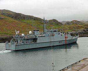 HMS Penzance (M106).jpg