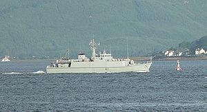 HMS Shoreham (M112).jpg