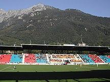 Liechtenstein-Sport-Fil:Haupttribüne mit Gebirge