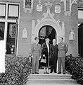 Hill ontvangt Generaal Gruenther op huis Raaphorst te Wassenaar, Bestanddeelnr 906-0369.jpg