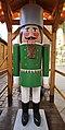 Holzfigur Nußknacker. Erzgebirgische Volkskunst 2H1A5584WI.jpg