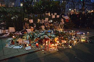 January 2015 Île-de-France attacks - Image: Hommage à Ahmed Merabet