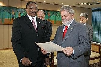 Foreign relations of Namibia - Namibian ambassador to Brazil, Hopelong Ushona Ipinge (left) with President of Brazil, Luiz Inácio Lula da Silva at Palácio do Planalto, Brasília in 2006
