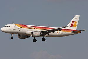 Iberia Airbus A320-214 EC-HAG.jpg