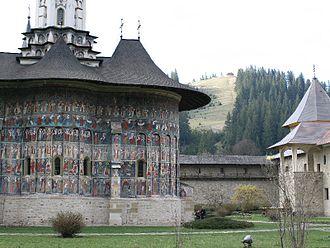Sucevița Monastery - Image: Ihopulele EOS 30D0210 Sucevita