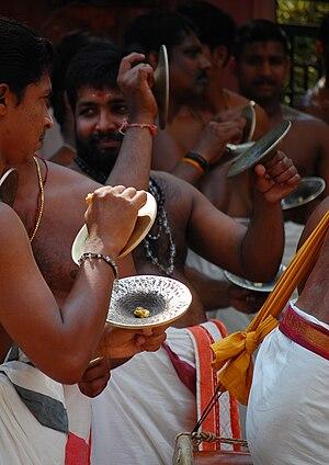 Elathalam - An artist using Ilathalam