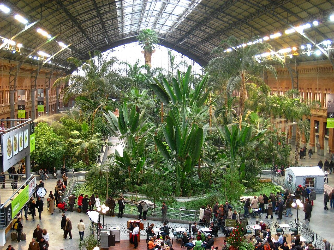 Madrid Atocha állomás pályaudvar spanyolország