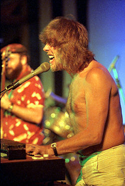 John Mayal on Redhat at Nambassa 1981.jpg