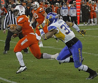 2012 Military Bowl - Bowling Green running back John Pettigrew scored in a go-ahead touchdown drive early in the fourth quarter.
