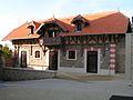 Juziers - batiment centre du Bourg.jpg