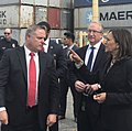 Kamala Harris touring Port of LA DBMvcmTW0AES06M.jpg