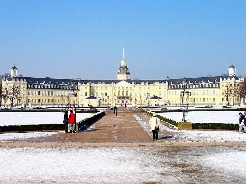 Archivo: Karlsruhe-Schloss-meph666-2005-Feb-25-pic2.jpg