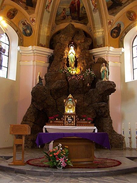 450px-Koch%C5%82owice_-_Church_of_Our_Lady_of_Lourdes_04.JPG