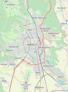 """Mapa konturowa Koszyc, blisko centrum u góry znajduje się punkt z opisem """"Uniwersytet Techniczny"""""""
