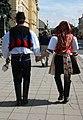 Kroj Kunovice - svobodní zezadu.jpg