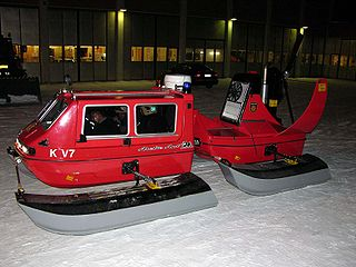 Hydrocopter Amphibious propeller-driven catamaran with a boat-like hull, small wheels and pontoon skis