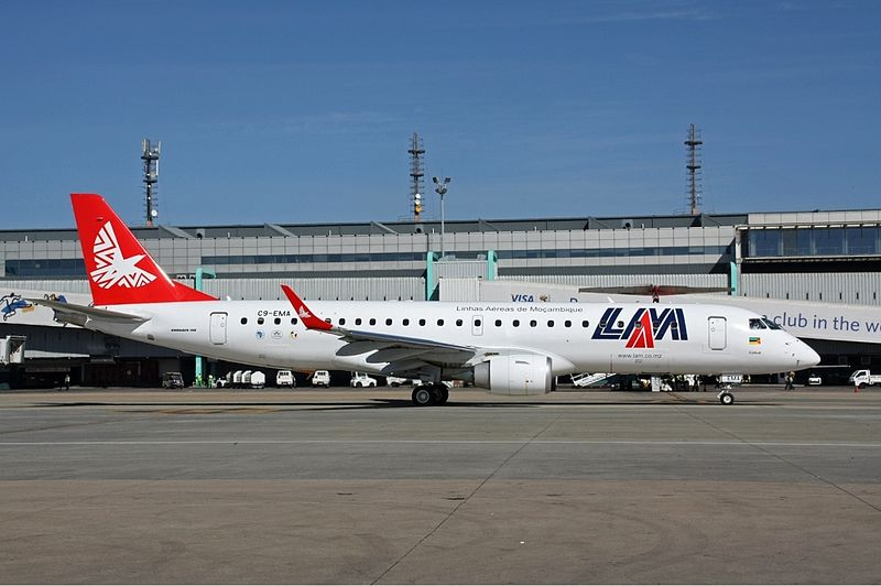 http://upload.wikimedia.org/wikipedia/commons/thumb/2/27/LAM_Mozambique_Airlines_Embraer_190_Volpati.jpg/800px-LAM_Mozambique_Airlines_Embraer_190_Volpati.jpg