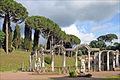 La colonnade du Canope (Villa Adriana, Tivoli) (5888639839).jpg
