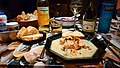 Lachs mit Shrimps in Weißweinsoße + Wein.jpg