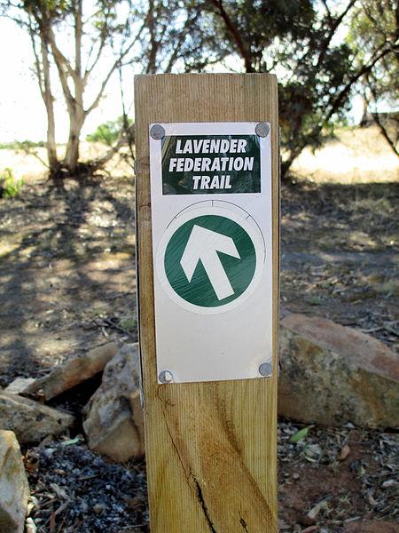 File:Lavender Federation Trail marker.JPG