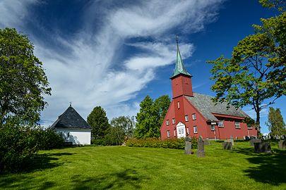 Leinstrand kirke Juni.jpg