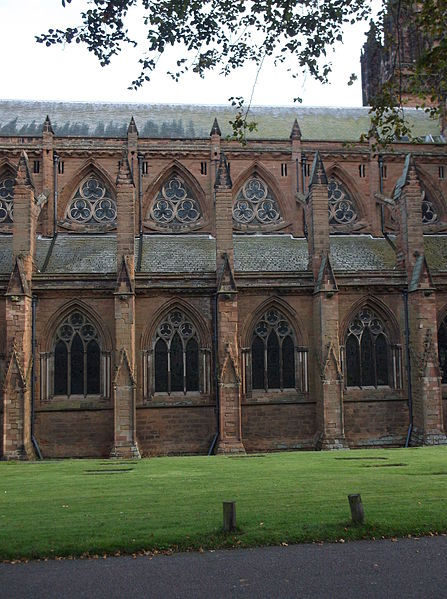 File:Lichfield Cathedral, north side (5).JPG