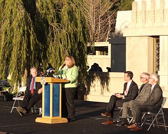 Los Angeles Conservancy - Executive director Linda Dishman speaking at the ribbon-cutting ceremony for Hollyhock House