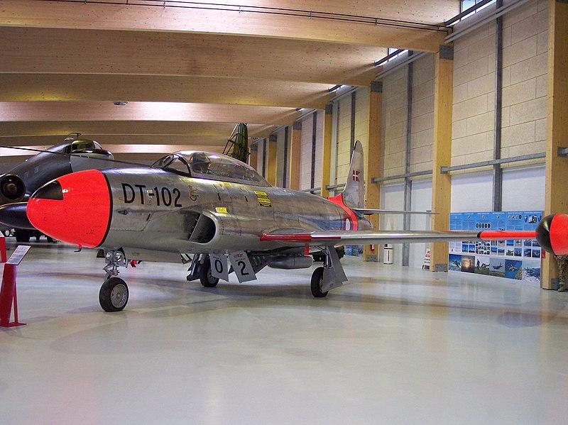 File:Lockheed T-33A T-Bird, DT-102.jpg
