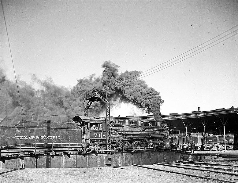 File:Locomotive 715 on Turntable, Texas and Pacific Railway Company (12802190935).jpg