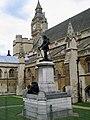 London Parliament Cromwell 05072004 - panoramio.jpg