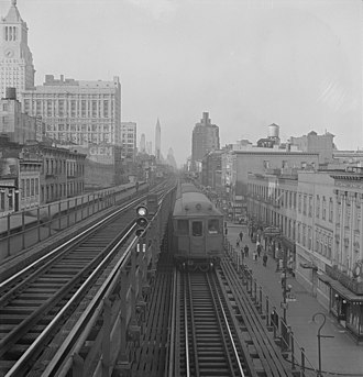 Ninth Street (IRT Third Avenue Line) - Northbound view of the local and express tracks at Ninth Street Station.