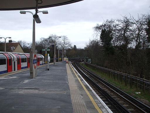 Loughton station westnorth