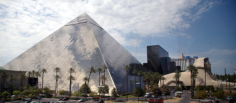 Отель Люксор. Лас Вегас, Невада (Las Vegas, NV)