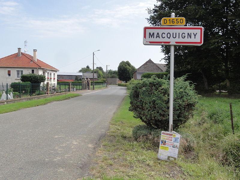 Macquigny (Aisne) city limit sign