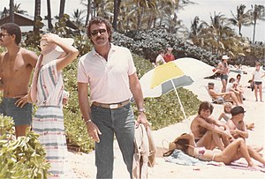 Tom Selleck, filming a scene for MAGNUM P.I. i...
