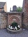 Malzy (Aisne) fontaine Saint-Louis.JPG
