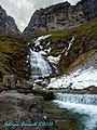 Mares Tail Waterfall, Ordesa Gorge - Snowy Remnants - panoramio.jpg