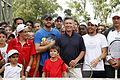 Mauricio Macri y Andy Roddick juntos en una clínica de tenis (8358447165).jpg