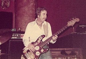 Max Bennett (musician) - Image: Max Bennett 1976