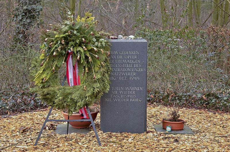 Datei:Memorial place - Nazi labour camp Walldorf - Airport Frankfurt - Züblin - KZ-Außenlager Walldorf - Flughafen Frankfurt - 01.jpg