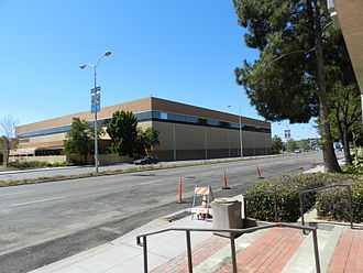 Mervyn's - Mervyn's former headquarters, Hayward, not in use (2011)