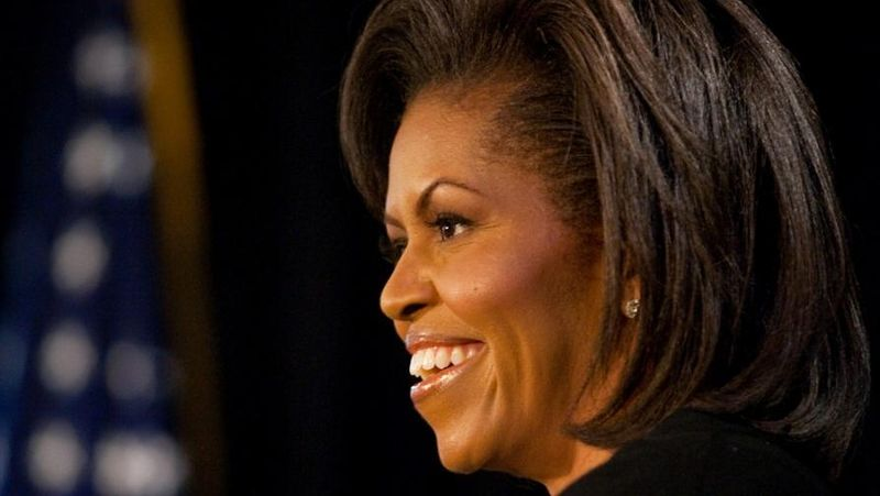 File:Michelle Obama speaks at The Arts Center in Fayetteville, NC 3-12-09.jpg