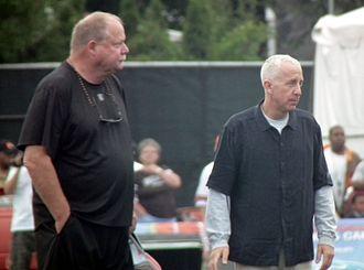 Randy Lerner - Lerner (right), along with general manager Mike Holmgren, observing a Cleveland Browns practice session (2012)