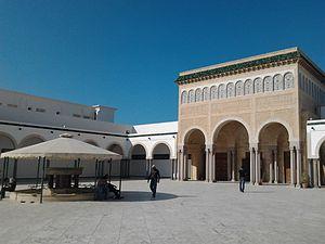 Hanafi Mosque of Bourguiba - Image: Monastir 117