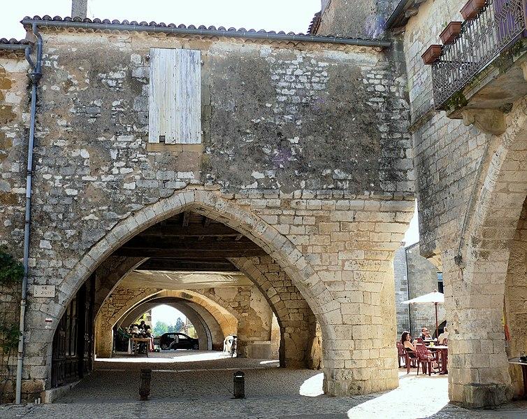 Fichier: Monpazier - Maison place des cornières rue Saint-Jacques nord -392.JPG
