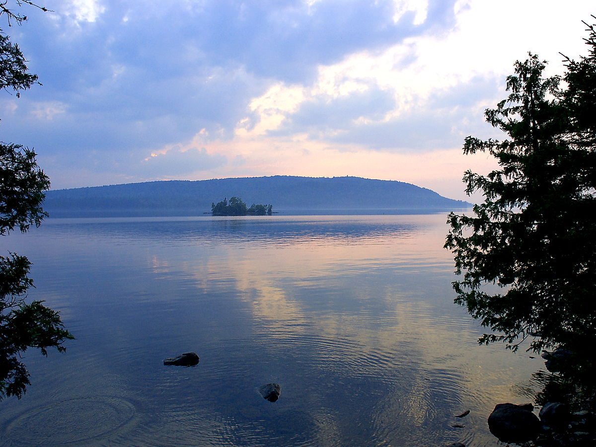 Moosehead lake wikidata for Fishing campsites near me