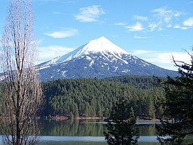 Mont McLoughlin depuis le Willow Lake.