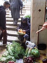 Mujer en un mercado de Marruecos