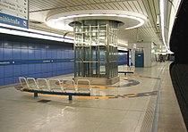 Munich subway Brudermühlstraße.jpg