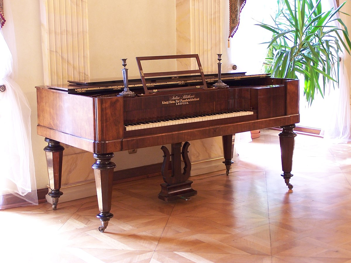 Square piano wikipedia for What size is a grand piano